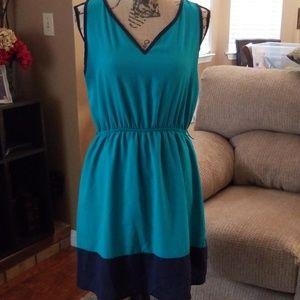 Color Block Sleeveless Dress